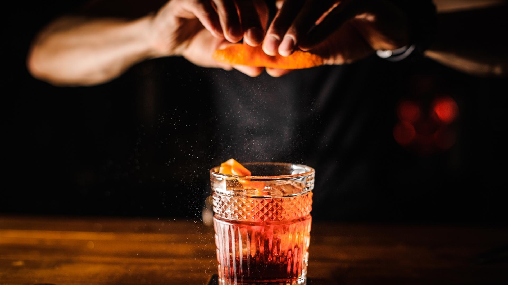cocktailkurs-in-der-schweiz-cocktailkurs-in-zuerich-schweiz-online-cocktailkurs-virtuell-schweizweit-cocktailworkshop-barkeeperkurs